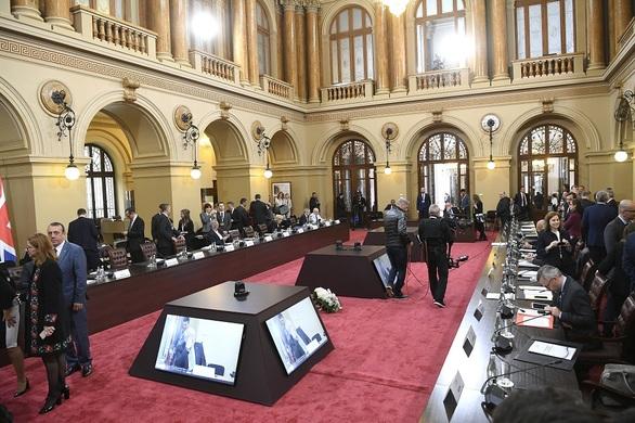 Η Σία Αναγνωστοπούλου για το ευρωψηφοδέλτιο ΣΥΡΙΖΑ (φωτο)