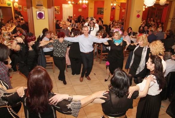 """Πάτρα: Με επιτυχία ο αποκριάτικος χορός της Στέγης Πολιτισμού και Παράδοσης """"Αγία Λαύρα"""" (φωτο)"""