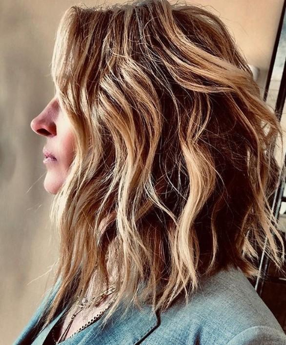 Η Τζούλια Ρόμπερτς έκοψε τα μαλλιά της