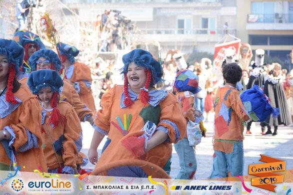 """Το γκρουπ """"Puppet Theater"""" μας θύμισε τα παιδικά μας χρόνια! (pics)"""