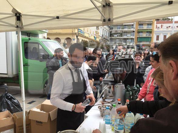Πάτρα - Με μεγάλη συμμετοχή η συγκέντρωση των επιχειρηματιών εστίασης στην πλ. Γεωργίου (φωτο+video)