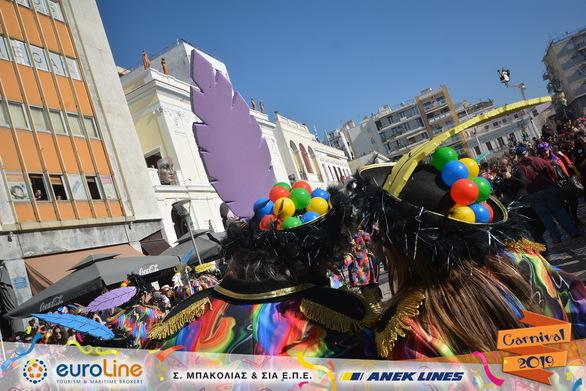 Οι ΞΕ… ΦΡΑΚΟΤΟΙ ήταν η κεφάτη πλευρά του Πατρινού Καρναβαλιού (pics)