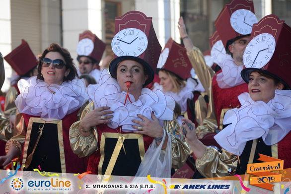 Οι «Εκκρεμείς» έζησαν πολύ όμορφες στιγμές στο Πατρινό Καρναβάλι 2019! (φωτο)