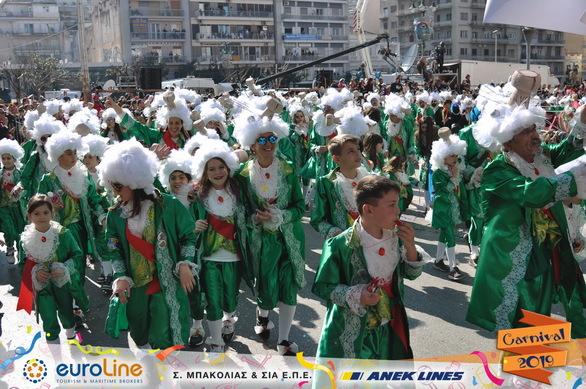 Οι... σαμπάνιες του Καρναβαλιού της Πάτρας ήταν μεθυστικές (pics)
