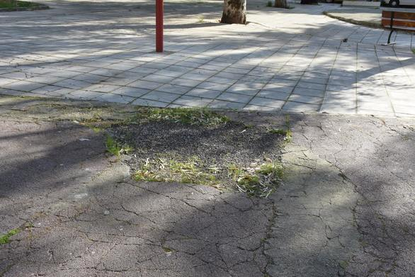 Πλατεία Ανδρούτσου (Βλατερού) ώρα μηδέν - Την ξέχασε ακόμα και η... ανάπλαση (pics)