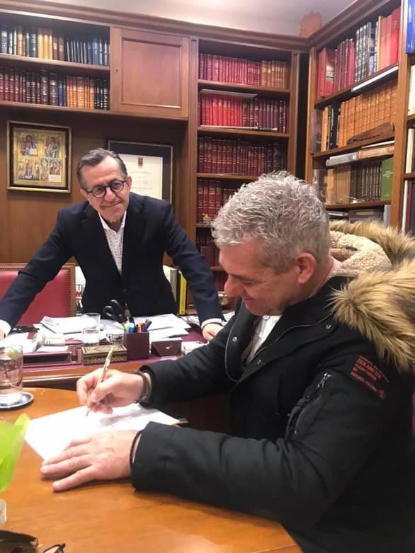 Πάτρα - Ο τραγουδιστής και μουσικός Γιώργος Παράμερος υποψήφιος με τον Νίκο Νικολόπουλο!