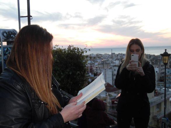 Πάτρα: Ανέβηκαν τις σκάλες της Αγίου Νικολάου και χάθηκαν στους δρόμους της ποίησης (pics)