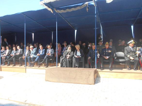 Πάτρα: Δεκάδες επίσημοι στην κερκίδα της Τριών Συμμάχων (φωτο)