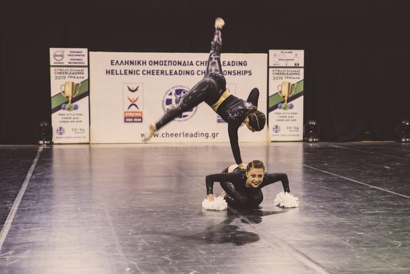 Το Cheerleading κατέκλυσε τα Τρίκαλα (φωτο)
