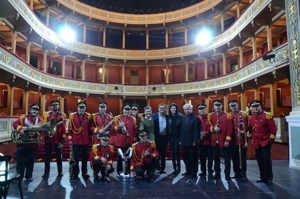 """Πάτρα - Φίλοι του θεάτρου παρακολούθησαν την παράσταση """"Οι Τόποι είναι ήχοι"""" (φωτο)"""