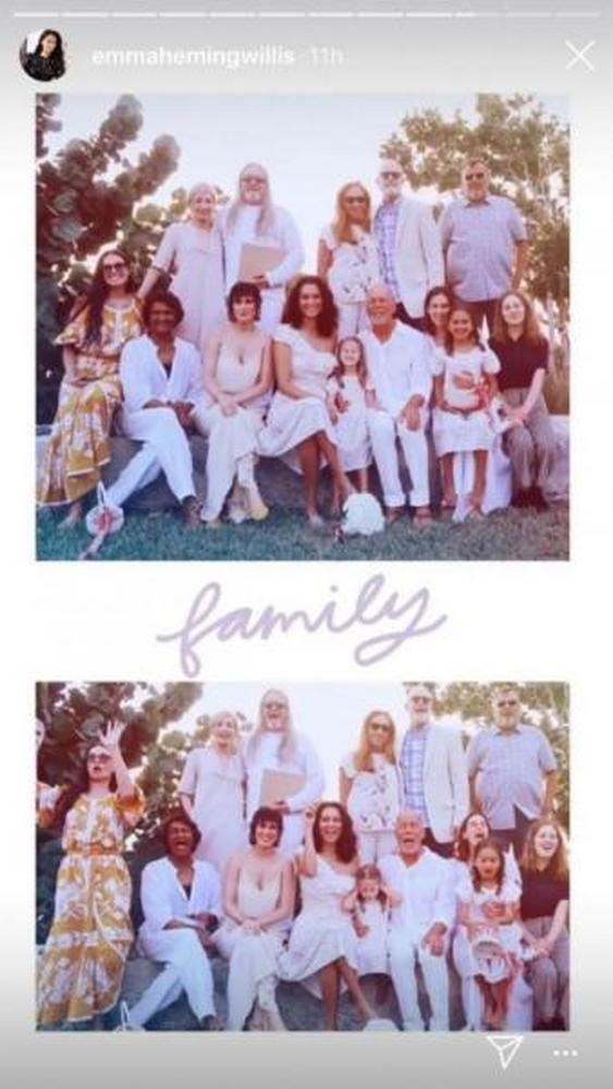 Ο Μπρους Γουίλις ξαναπαντρεύτηκε με την Ντέμι Μουρ δίπλα του (φωτο)