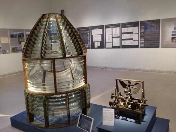 Οι φάροι στο Αρχαιολογικό Μουσείο της Πάτρας - Τα βιομηχανικά μνημεία των θαλασσών μας (pics)