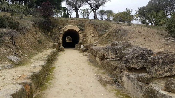 Νεμέα Κορινθίας: Εκεί που ο Ηρακλής σκότωσε το λιοντάρι (pics+vids)