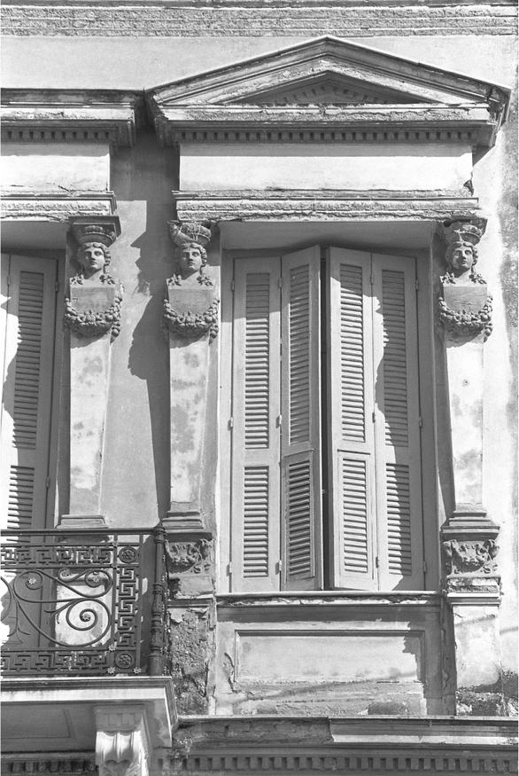 «Πόλισμα δόμων και πολιτισμού - Η Πάτρα πριν μισό αιώνα με τον φακό του αρχιτέκτονα Μιχάλη Δωρή» στη Δημοτική Πινακοθήκη