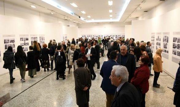 Πάτρα - Πλήθος κόσμου στα εγκαίνια της έκθεσης του Μιχάλη Δώρη (φωτο)