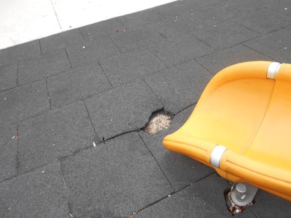 Η μεγαλύτερη παιδική χαρά της Πάτρας έχει υποστεί φθορές και καταστροφές (pics)