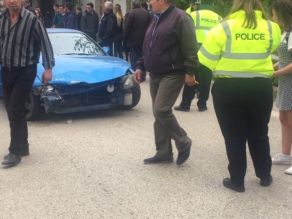 Δυτική Ελλάδα: Mαθήτριες παρασύρθηκαν από αυτοκίνητο (φωτο+video)