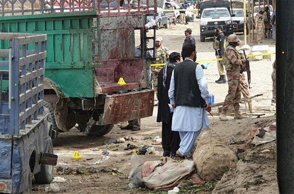 Πακιστάν: 20 νεκροί από επίθεση καμικάζι σε υπαίθρια αγορά (pics+video)