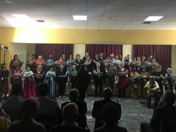 Αχαΐα: Κίνηση ευαισθησίας από τη χορωδία Ντόιτσε Βέλε στα Καλάβρυτα (φωτο)