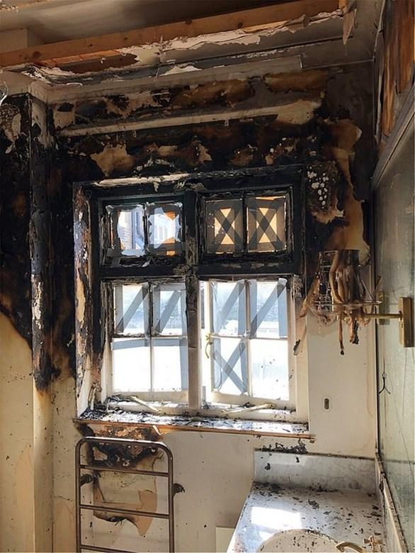 Σοκαριστικές εικόνες από το σπίτι της Joan Collins που έπιασε φωτιά