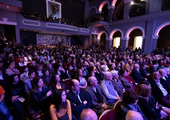 """Πάτρα: Με ενθουσιασμό και πλήθος κόσμου παρουσιάστηκαν οι υποψήφιοι του """"σπιράλ"""" (pics)"""