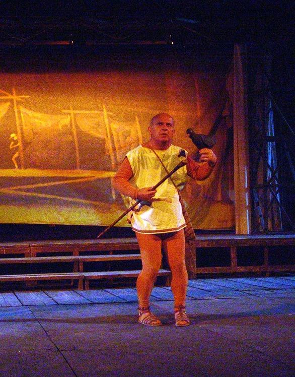 Θλίψη και στην Πάτρα για τον ηθοποιό, Τάσο Πεζιρκιανίδη