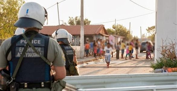 Η Ανατολική Πάτρα ζητά από τον Δήμο να ξεκινήσει το πρόγραμμα μεταστέγασης των Ρομά