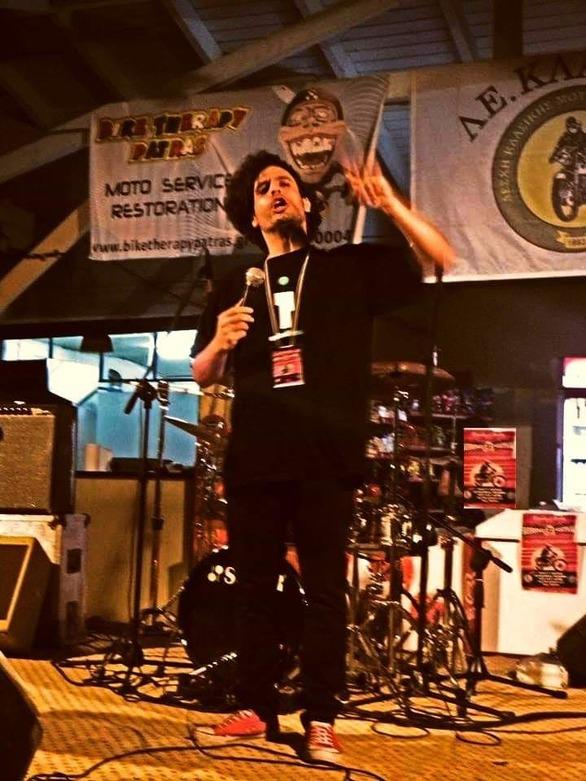 """Μάριος Δημητρόπουλος - Ο Πατρινός που είπε """"ουάου"""" και ανέβηκε στη σκηνή! (pics+video)"""