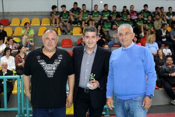 Πάτρα - Ο Γρηγόρης Αλεξόπουλος τιμήθηκε από την Ακαδημία των Σπορ (φωτο)