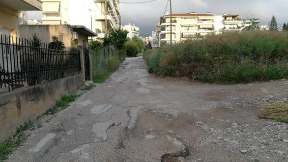 """""""Βομβαρδισμένοι"""" οι δρόμοι στην έξω Αγυιά της Πάτρας!"""