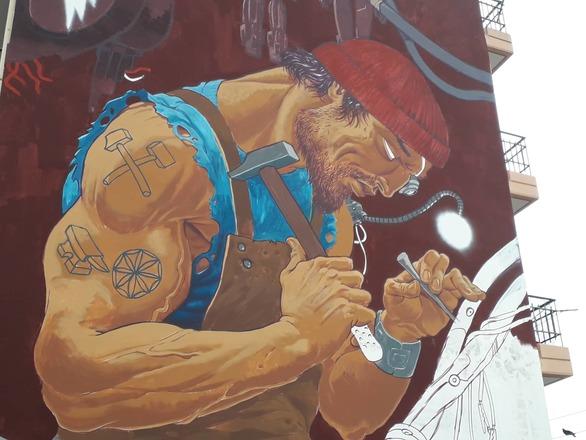 Ο θεός Ήφαιστος έχει πιάσει δουλειά στην Πάτρα (φωτο)