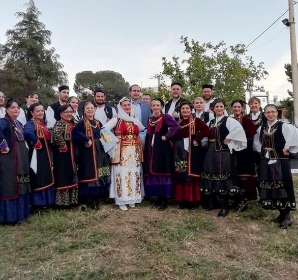 Πάτρα: Oι Ηπειρώτες χόρεψαν στην Αρόη (φωτο)