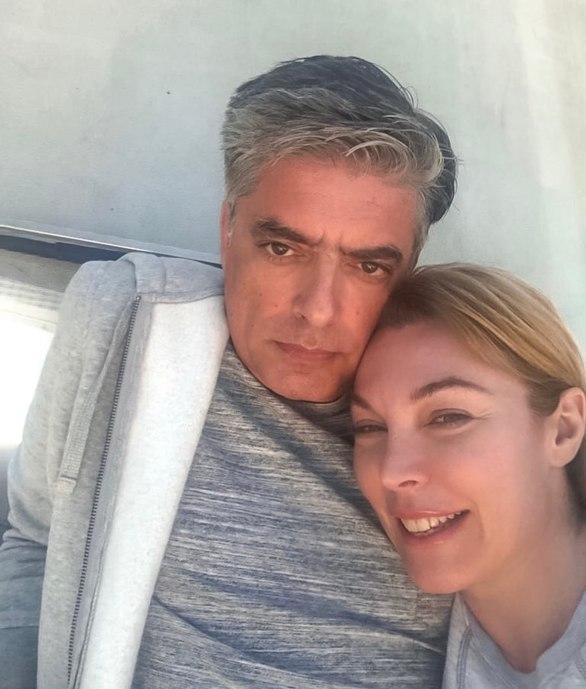 Η Τατιάνα Στεφανίδου πόζαρε στην αγκαλιά του Νίκου Ευαγγελάτου