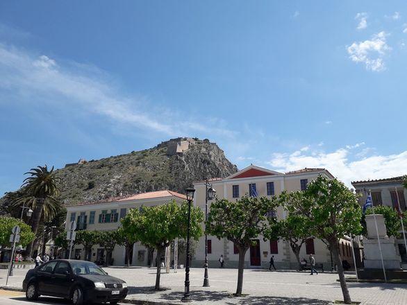 Ναύπλιο: Μια ζωντανή πόλη - μουσείο με αρχοντιά και πολυτέλεια (φωτο)