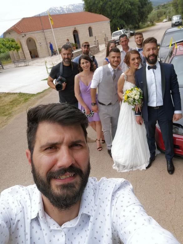 Αχαΐα - Γαμπρός και νύφη από την εκκλησία απευθείας στην κάλπη!