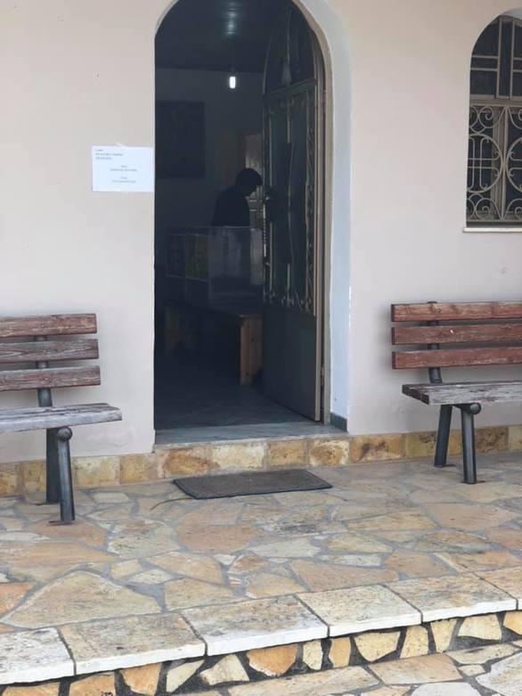 Απίστευτο - Στο Μετόχι της Δυτικής Αχαΐας έστησαν κάλπη στην εκκλησία! (φωτο)