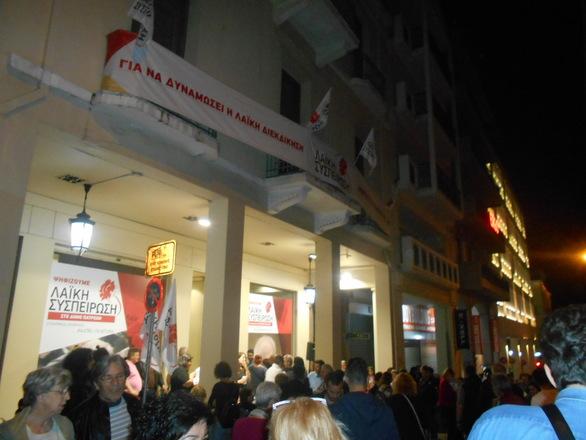 """H Πάτρα έχει δήμαρχο"" - Αποθέωση στον Κώστα Πελετίδη από τον κόσμο"