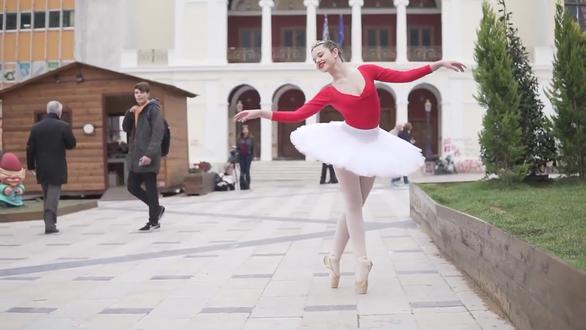 Γεωργία Νικολοπούλου - Το κορίτσι που λες και έχει βγει από παραμύθι, είναι απόλυτα αληθινό!