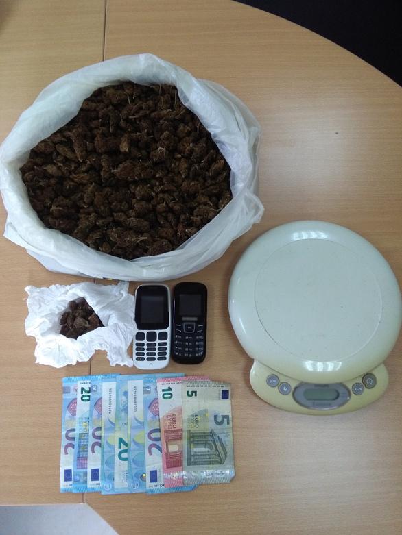 Συνελήφθη μέλος συμμορίας που διακινούσε κοκαΐνη και κάνναβη στη Ζαχάρω Ηλείας