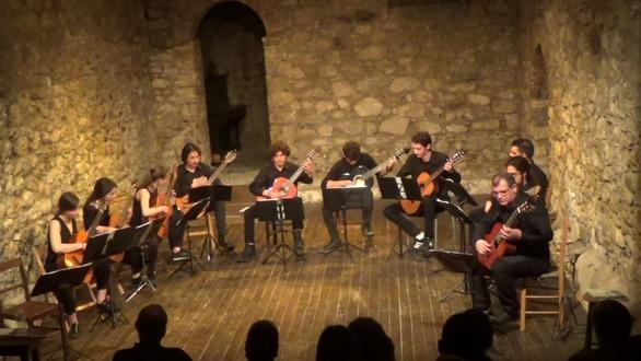 Εντυπωσίασε το Patras Guitar Ensseble στο Θέατρο Αγορά (pics+video)