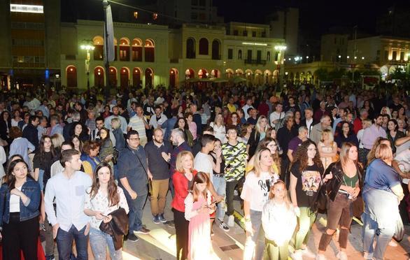 Οι 15-50 ξεσήκωσαν την Πάτρα στο πάρτι νεολαίας του Απόστολου Κατσιφάρα (pics)