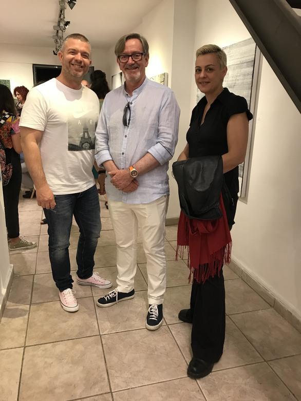 """Πάτρα: Με επιτυχία τα εγκαίνια της έκθεσης """"Within"""" στην Γκαλερί Cube (φωτο)"""