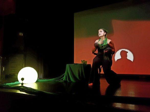"""""""Ο Πλανήτης"""" στοΘεατρικό Εργαστήρι POCKEtFLAT"""