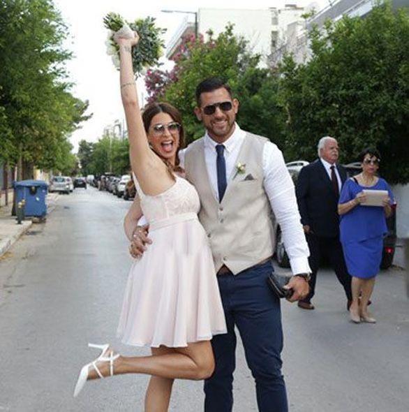 Παντρεύτηκε η Ελένη Χατζίδου! (video)
