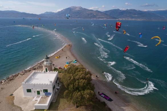 Kitesurf Camp at Cape Drepano Surf House