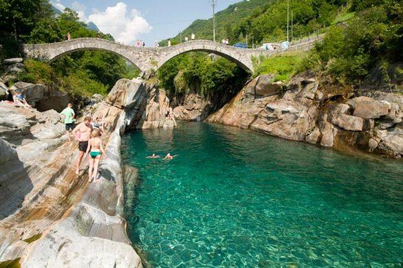 "Verzasca Valley - Η ""εξωτική"" κοιλάδα της Ελβετίας"