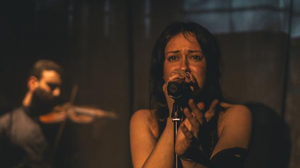 DarkMatters - Ένας μουσικός που μας οδηγεί μελωδικά στη γλυκύτητα του σκοταδιού!