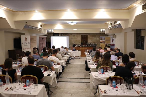 Ολοκλήρωση 1ης Οινογνωσίας του Patras Wine Club με τον Άρη Σκλαβενίτη (φωτο)