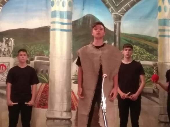"""Οι μαθητές του 9ου Γυμνασίου Πατρών ανέβασαν την παράσταση """"Πέρσες"""" του Αισχύλου! (φωτο)"""