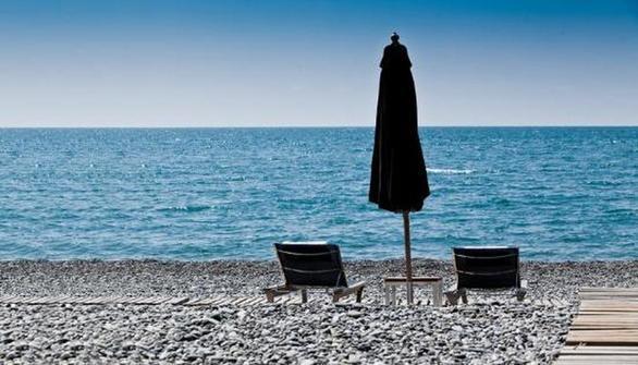 Γιατί μπορούμε να κολυμπάμε άφοβα στις παραλίες ανατολικά της Πάτρας; - Τι γίνεται στα δυτικά;